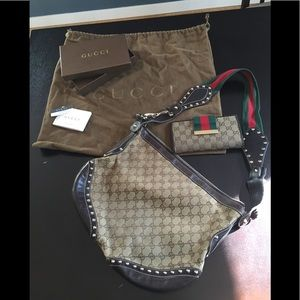 Beautiful authentic Gucci purse and wallet